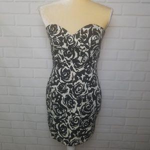 Forever 21 women's black & white rose print dress